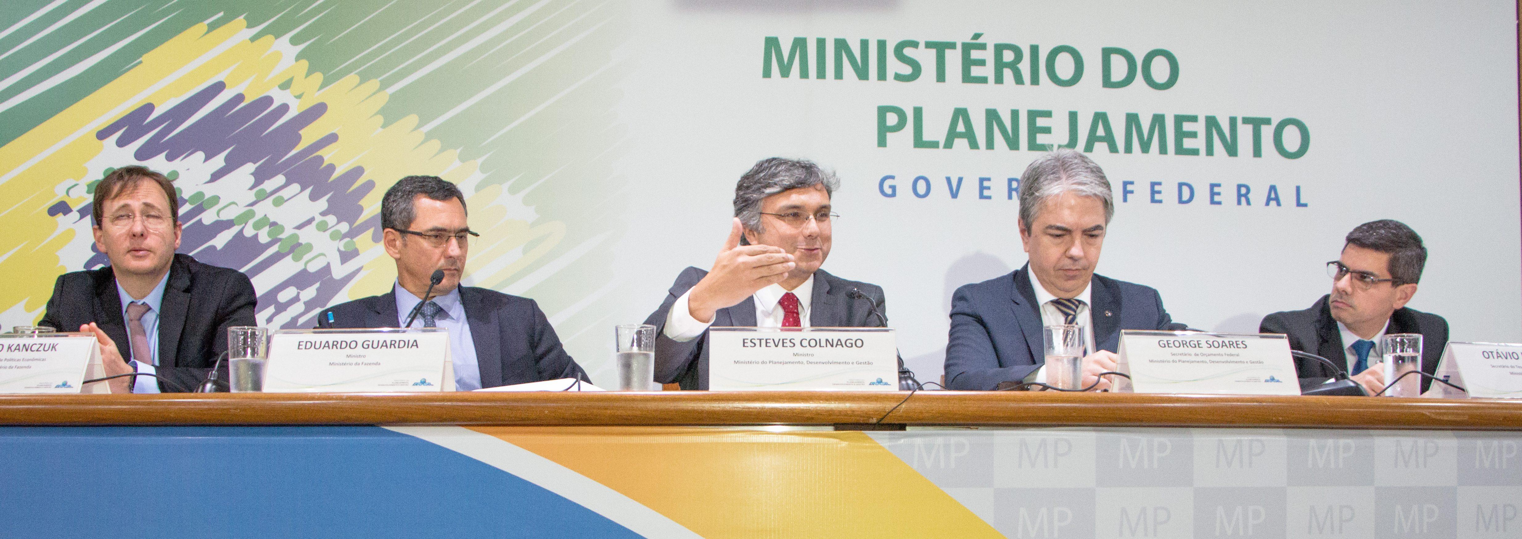 Governo corta em 30,5 bi previsão orçamentária de gastos discricionários de 2019