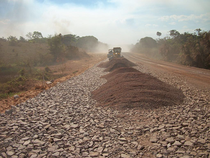 Quando ficar totalmente asfaltada em 2020, BR-163/PA já estará cheia de buracos, alerta ministério