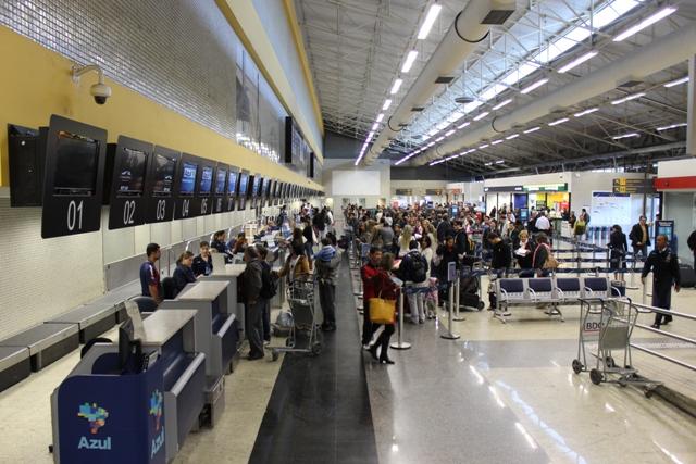 ANAC tenta convencer governos de PE e ES sobre concessão de aeroportos