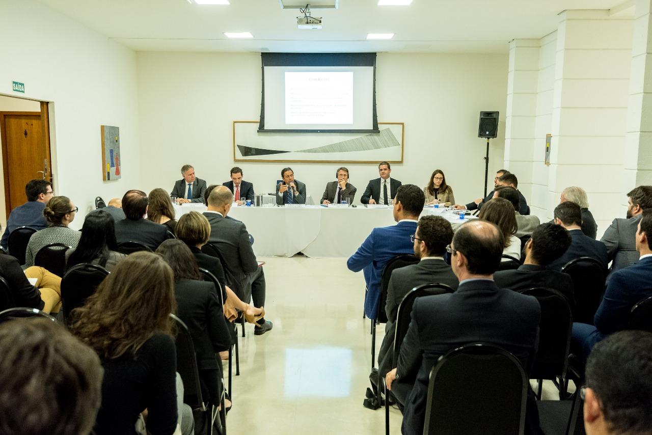 Encontro analisa estudo que defende mais discricionariedade para gestores na regulação da infraestrutura no Brasil