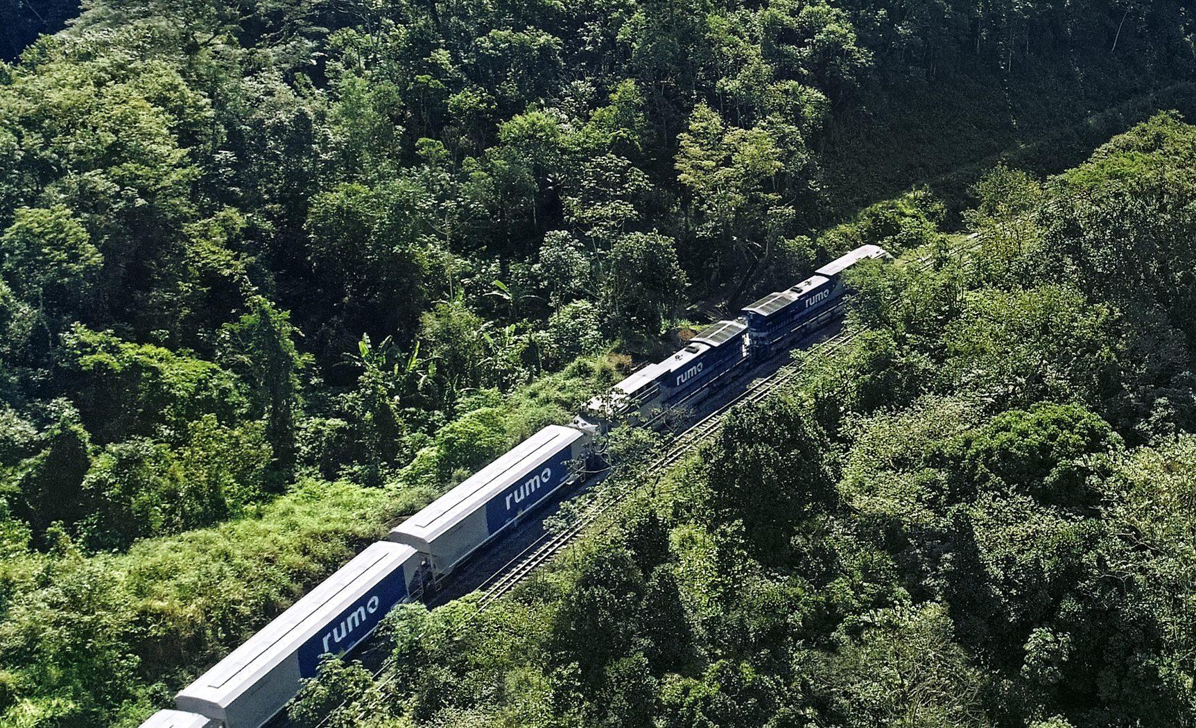 Rumo tem recorde de transporte de carga por ferrovia em agosto