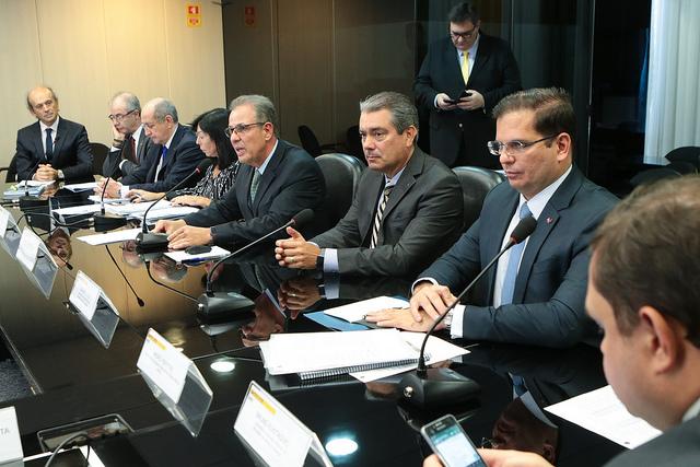 Associações saem satisfeitas de encontro com ministro de Minas e Energia