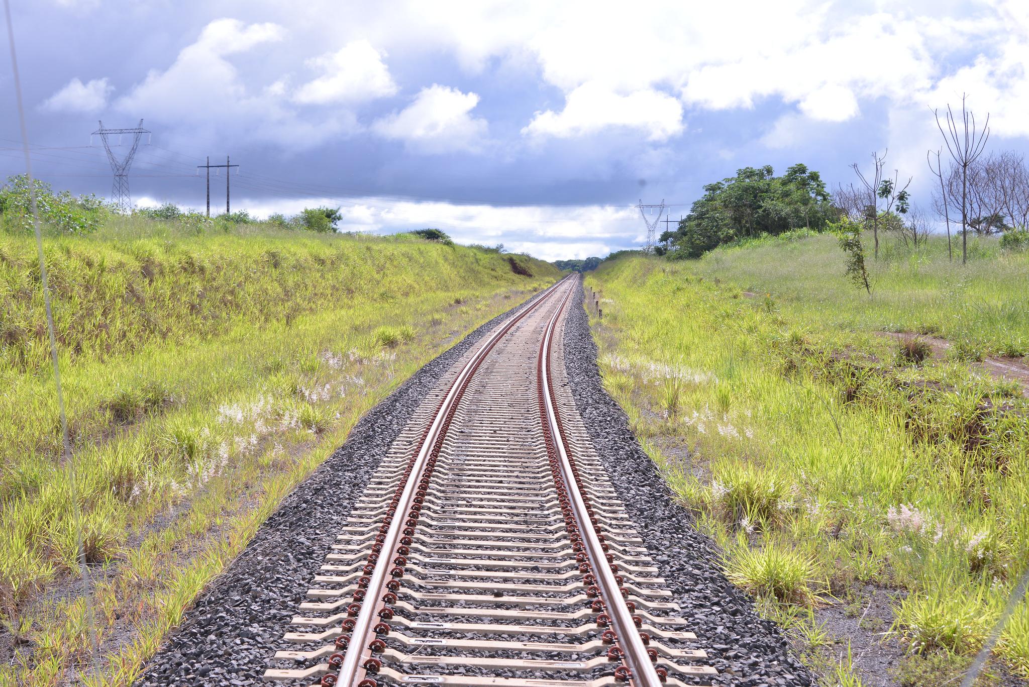 Análise: Muita retórica, pouco trem