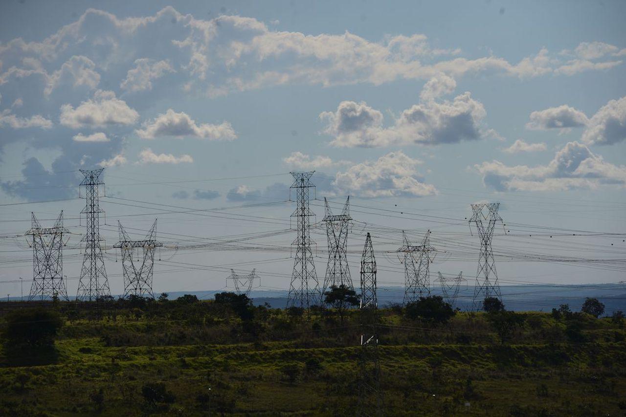 CCEE prevê queda de 68% nos preços da energia em abril