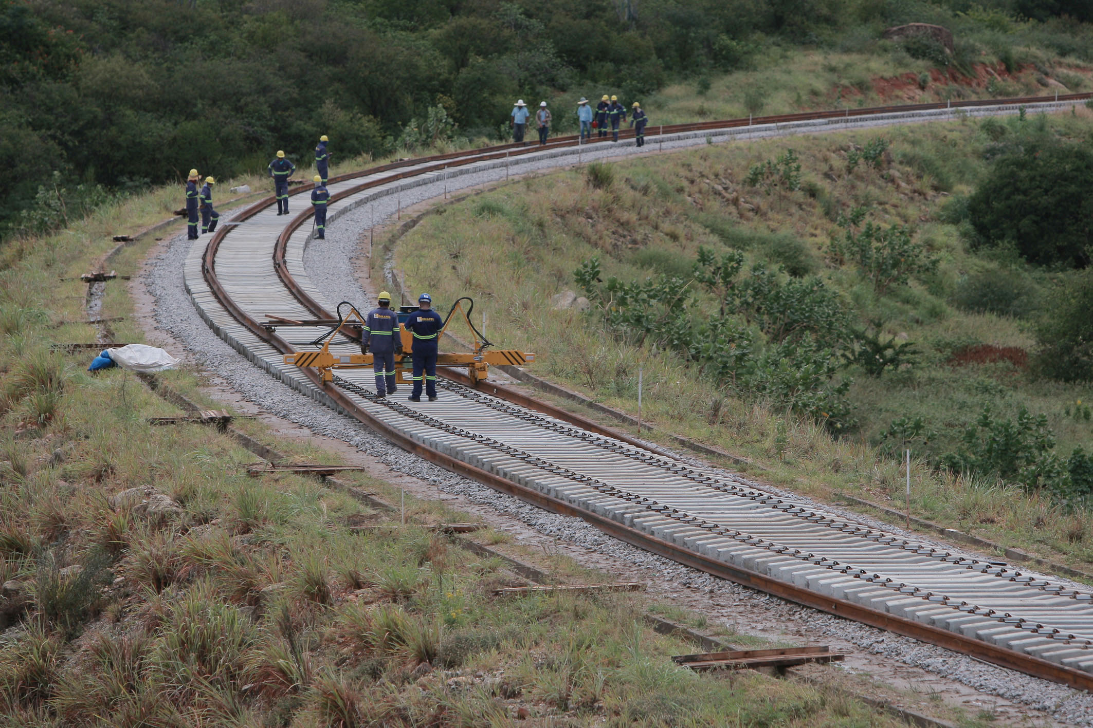 iNFRADebate: Reflexões sobre a constitucionalidade da prestação do serviço de transporte ferroviário por meio da autorização