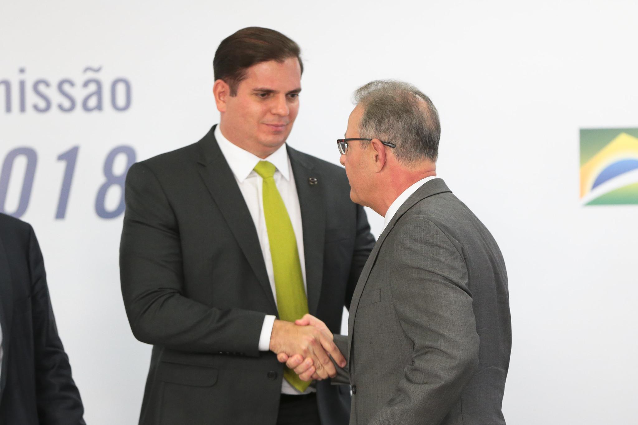 Azedam as relações entre a ANEEL e o Ministério de Minas e Energia