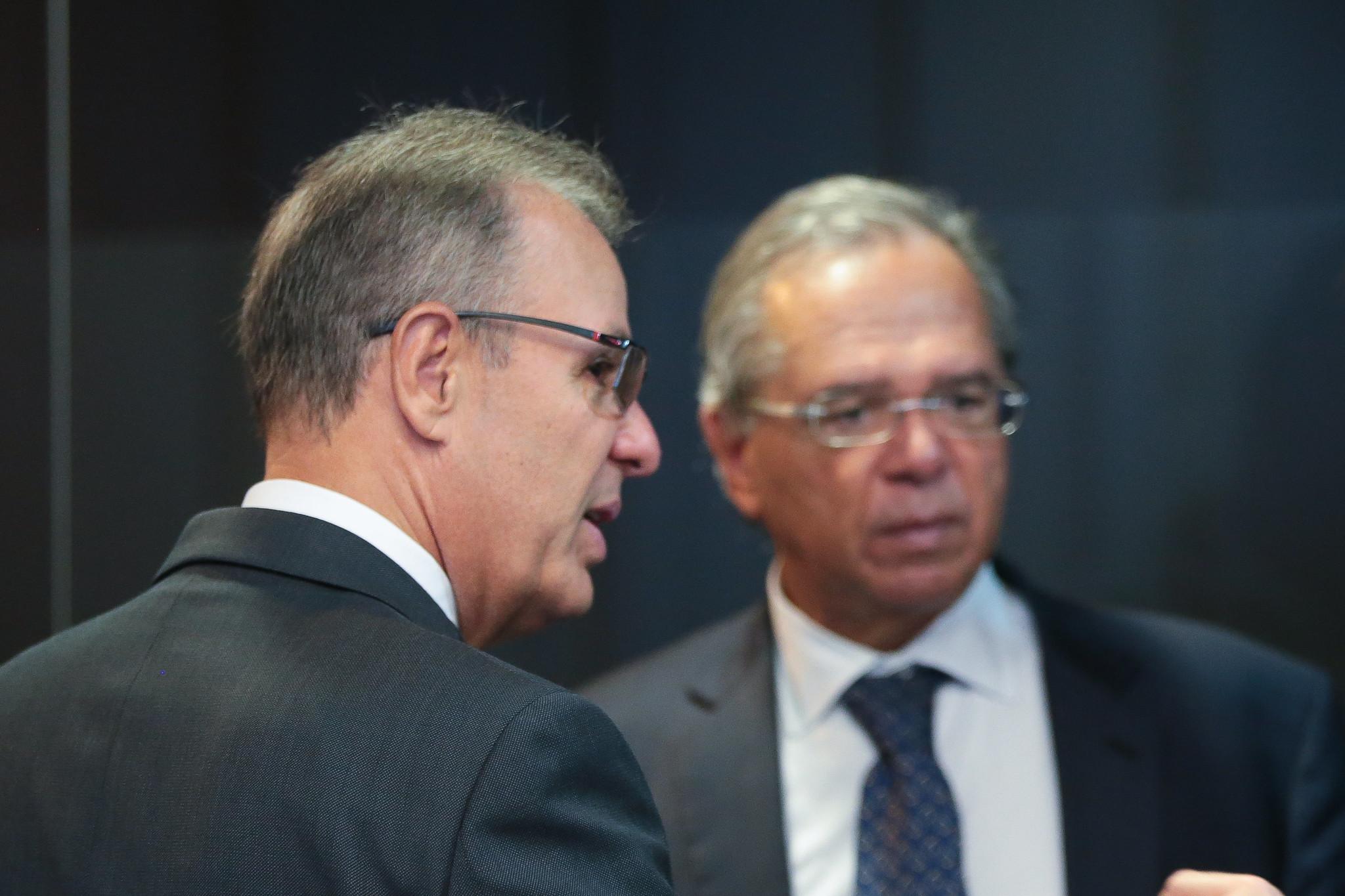 Ministérios da Economia e de Minas e Energia foram contra anulação do acordo de Itaipu