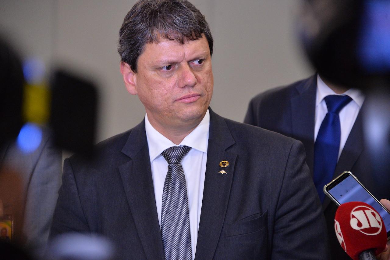 Governo não definiu ainda se pacote da cabotagem será enviado como MP, diz ministro
