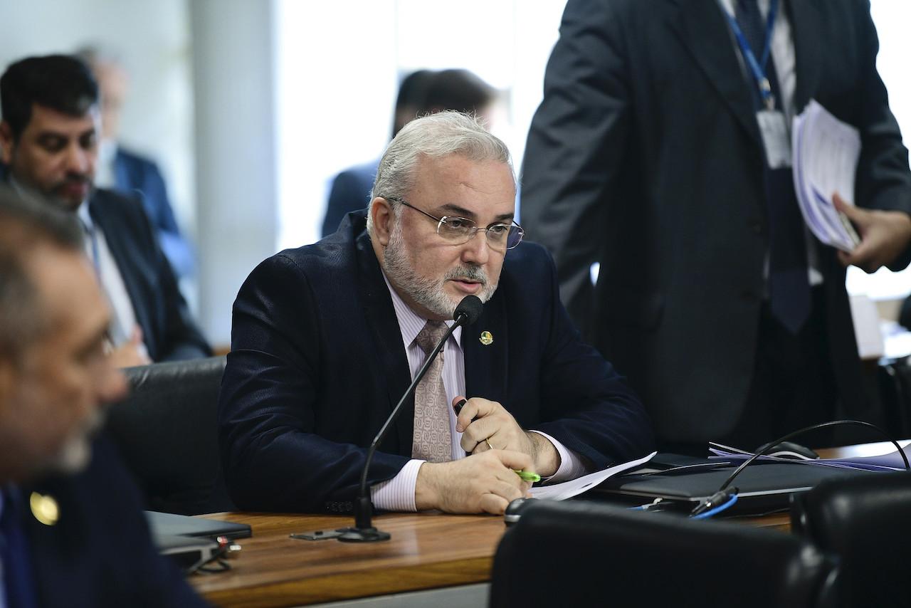 PL de autorização ferroviária sugere permitir que concessões mudem para novo regime