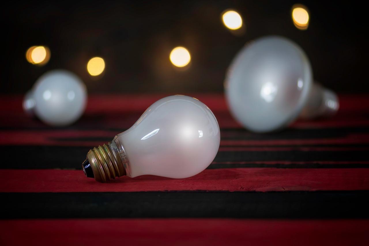 Reajustes médios das tarifas de energia estão abaixo de 3% neste ano, diz ANEEL