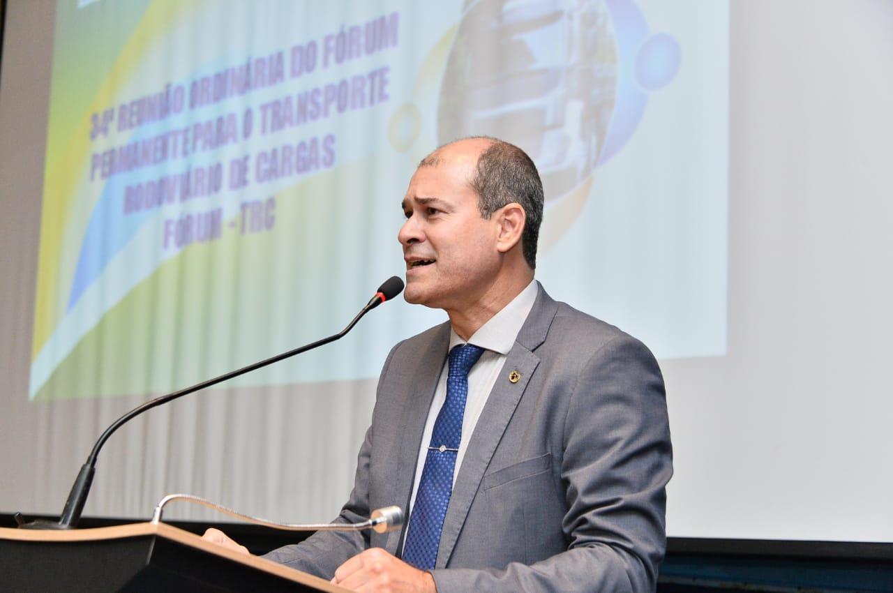 Secretário diz que governo trabalha em MEI para caminhoneiros autônomos