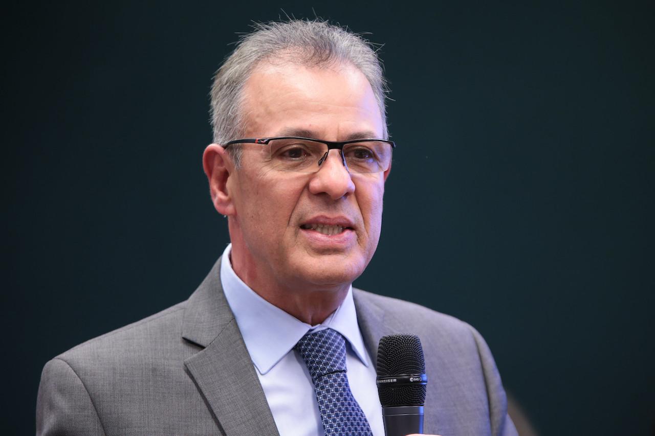 Ministro diz que conversou com senador sobre projeto do GSF