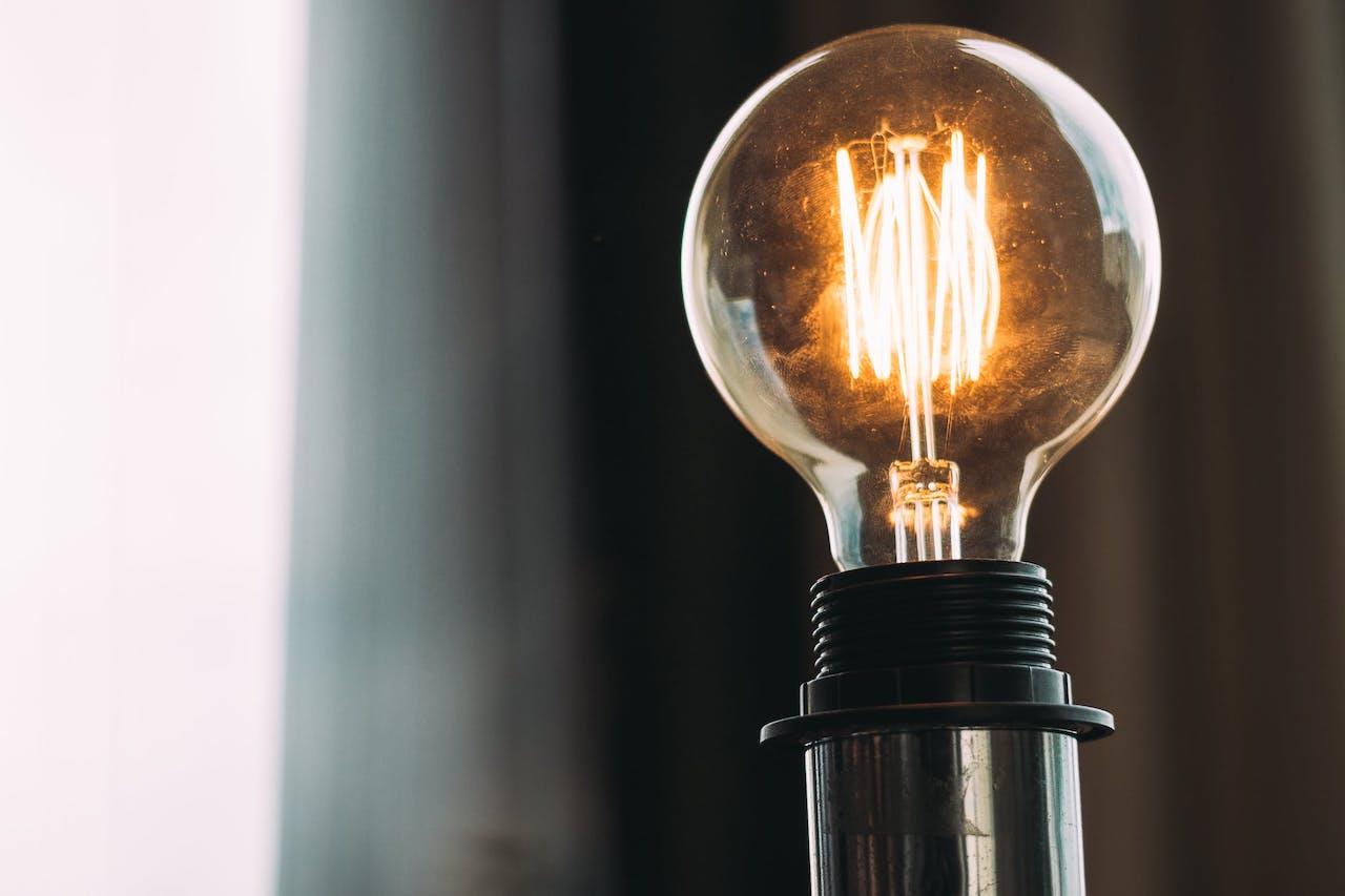 Consultoria projeta queda nas tarifas de energia em 2020 mesmo com más condições de geração