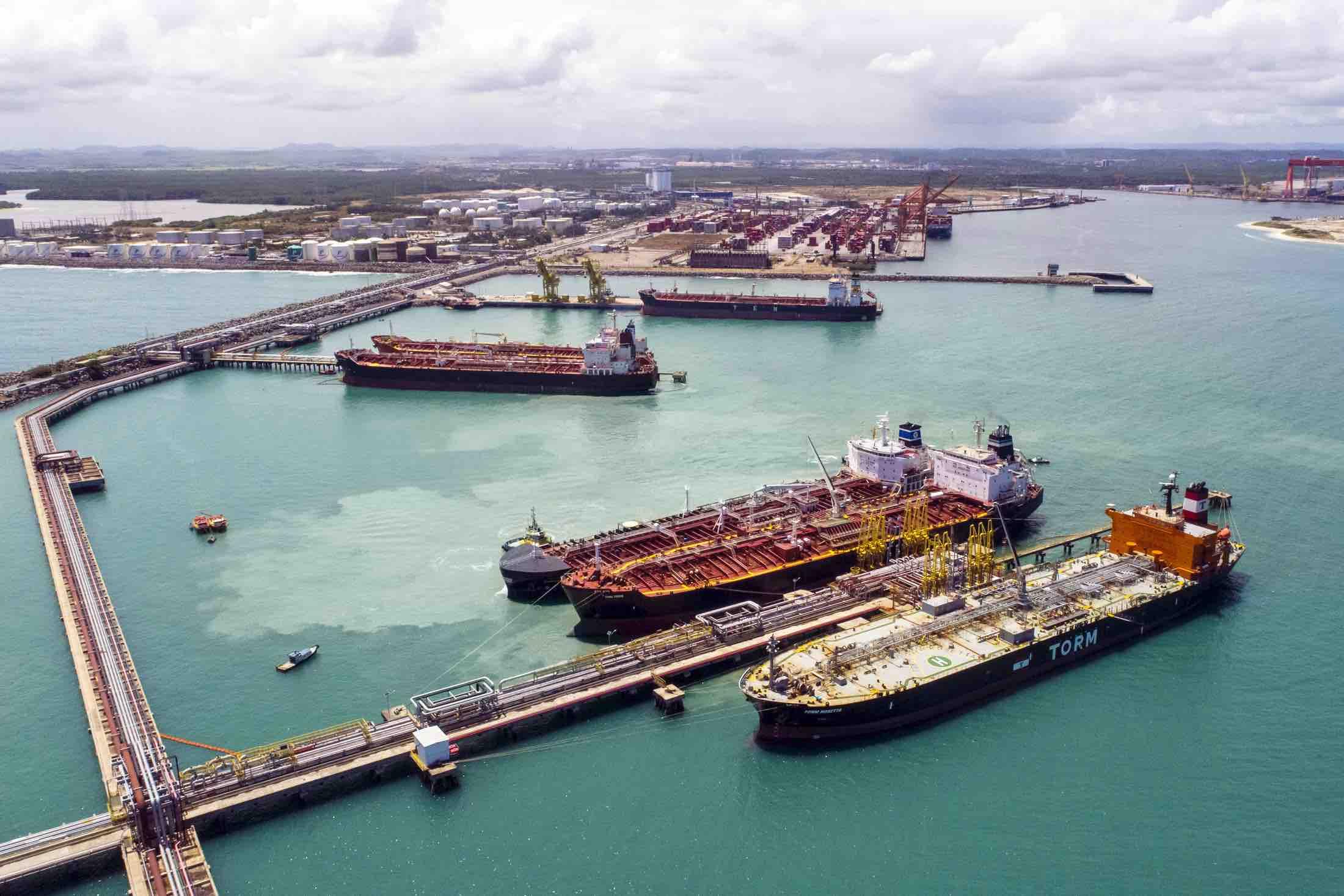 Secretário de Portos diz que governo está pronto para dar autonomia a S. F. do Sul (SC) e Suape (PE)