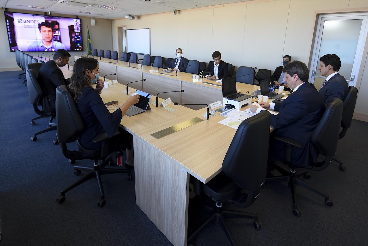 BNDES diz que não faltará real e quer sindicalização de bancos para financiar infraestrutura