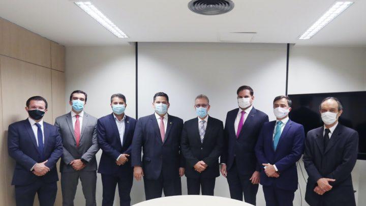 """Ministro Bento Albuquerque reúne-se com senadores após aprovação do PL do GSF: """"Dia histórico"""""""