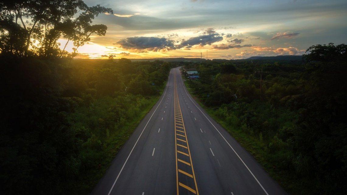 iNFRADebate: Principais contratantes em construção civil pesada no Brasil – Potencial de investimento em firmas médias especializadas em rodovias entre 2019 e 2023