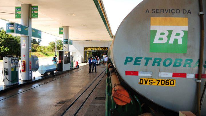 Defasagem no preço dos combustíveis causa apreensão com mudança de política da Petrobras