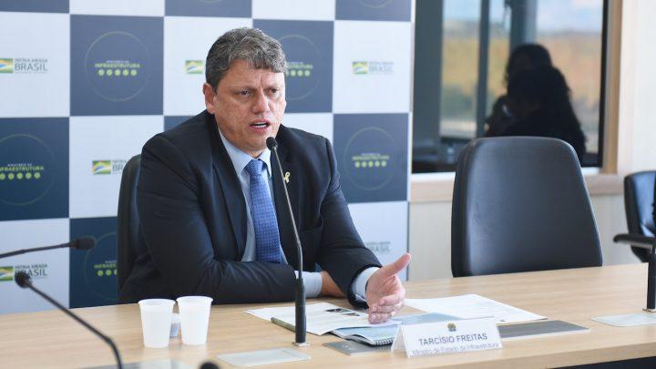 Ministro da Infraestrutura determina início da regulamentação das ferrovias autorizadas