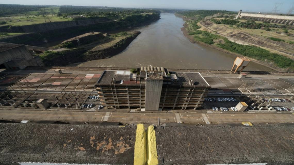 Com estiagem, geração de energia de Itaipu é a menor em 27 anos