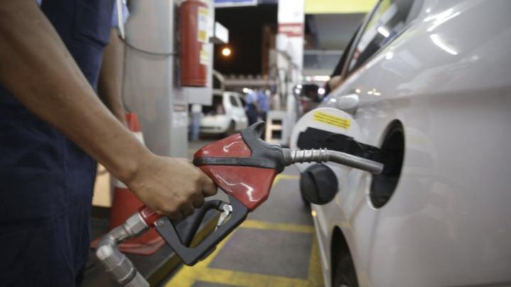 Importadoras devem compensar só parte da demanda extra de combustível em novembro, diz associação